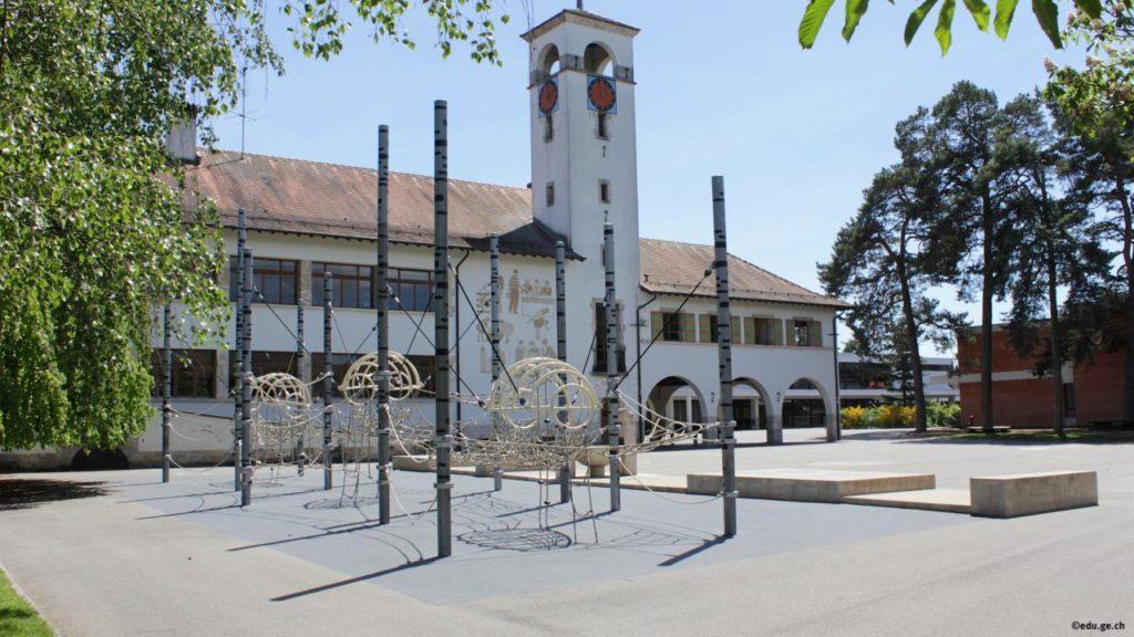 Ecoles de Meyrin-Village et Monthoux (Meyrin, GE)
